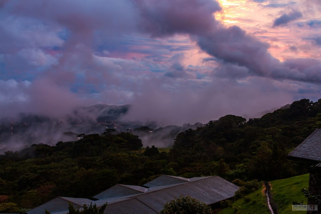 Darkening skies at dusk in the cloudforests of Monteverde in Costa Rica on Mallory on Travel adventure, adventure travel, photography Iain Mallory_CostaRica 001-31 cloudforest