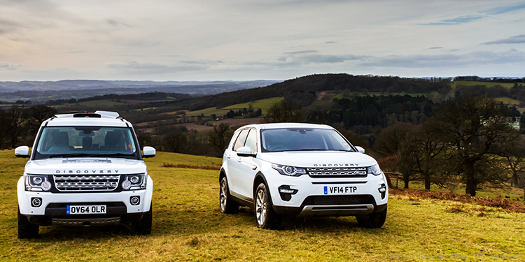 LandRover Experience Day vehicles at Eastnor Castle near Ledbury in the Malvern Hills, taking an Evoque, Range Rover, Discovery 4 and Defender 110 around the obstacles known as the Track on Mallory on Travel adventure, adventure travel, photography Iain_Mallory_LR1407856 landrover_experience