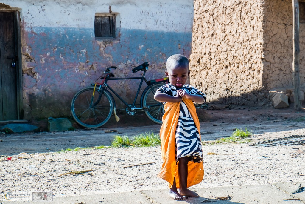 Young Rwandan girl at a roadside township on the road to Kigali in Rwanda, east Africa on Mallory on Travel adventure travel, photography, travel Iain_Mallory_Rwanda-2580