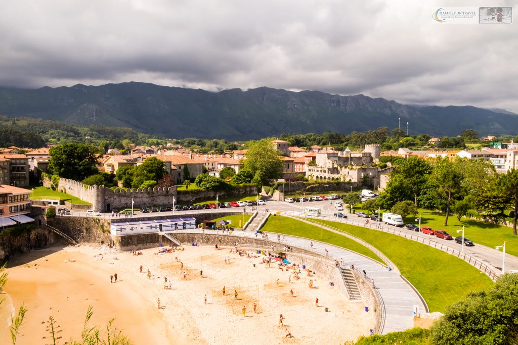 Beach volleyball players on El Sablón Beach, Llanes along the Camino de Santiago (north) in Asturias, northern Spain on Mallory on Travel adventure travel, photography, travel Iain Mallory_Asturias-1-4
