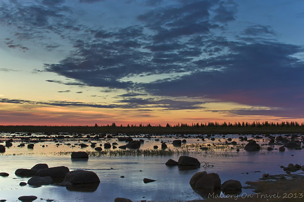 Photographing wildlife, sunrise in Hudson Bay in Manitoba, northern Canada on Mallory on Travel adventure travel, photography, travel iain-mallory-300-83