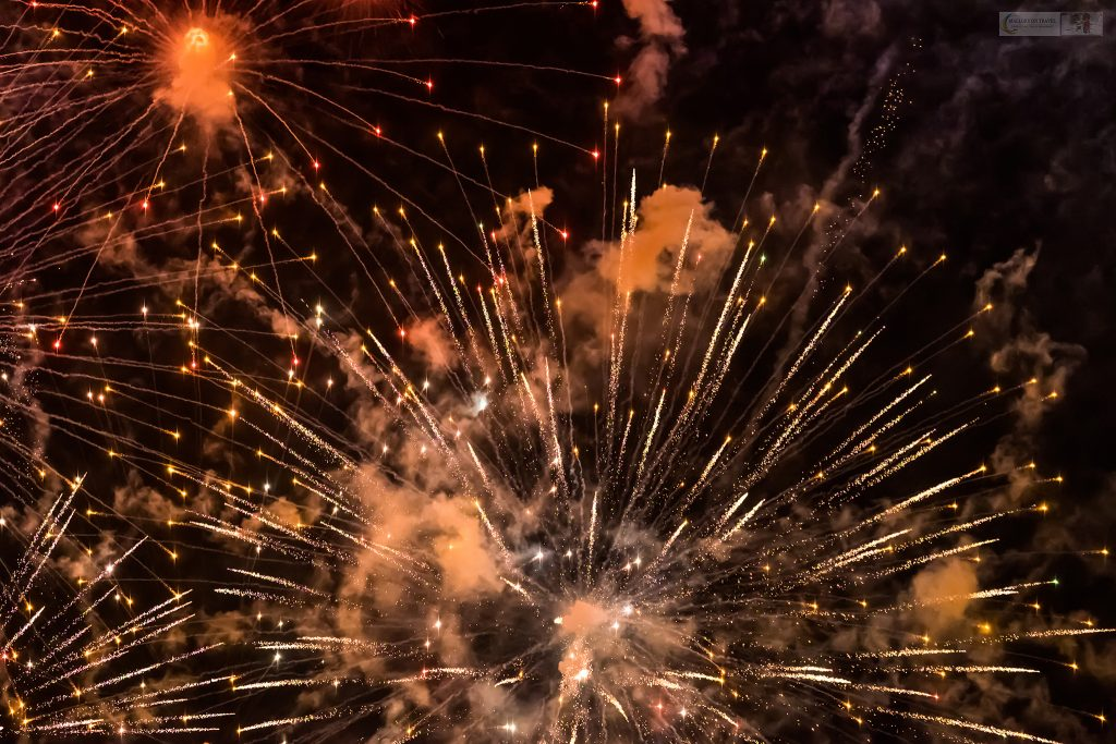 Pyrotechnic display on Bonfire night in Marple, Cheshire on Mallory on Travel adventure travel, photography, travel iain-mallory_fireworks-1-28