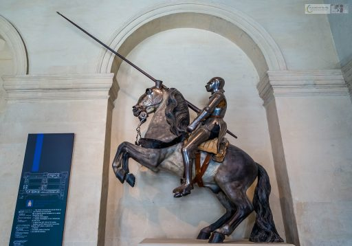 Horseman in a suit of armour at the Musée de l'Armée, located at the Hotel les Invalides in Paris, France on Mallory on Travel adventure travel, photography, travel iain_mallory_musee-3525
