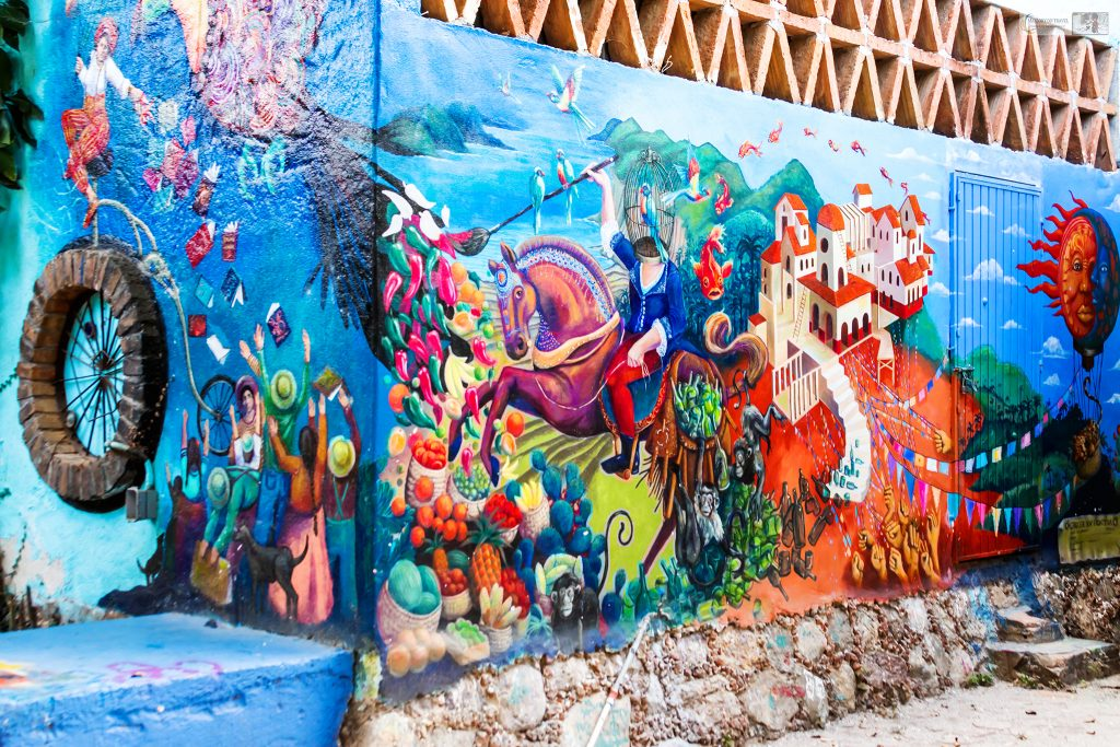 Street art in San Pancho, the San Francisco of Mexico on the pacific coast of the Riviera Nayarit on Mallory on Travel adventure travel, photography, travel Iain Mallory_Mex 001-10